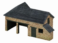 Hornby: Skaledale - The Country Farm Tractor/Plough Shed