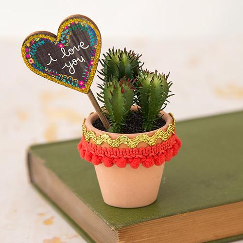 Natural Life: Garden Sign Succulent - I Love You