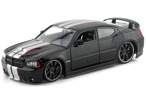 Jada: 1/24 Dodge Charger Srt8 2006 Diecast Model (Black)