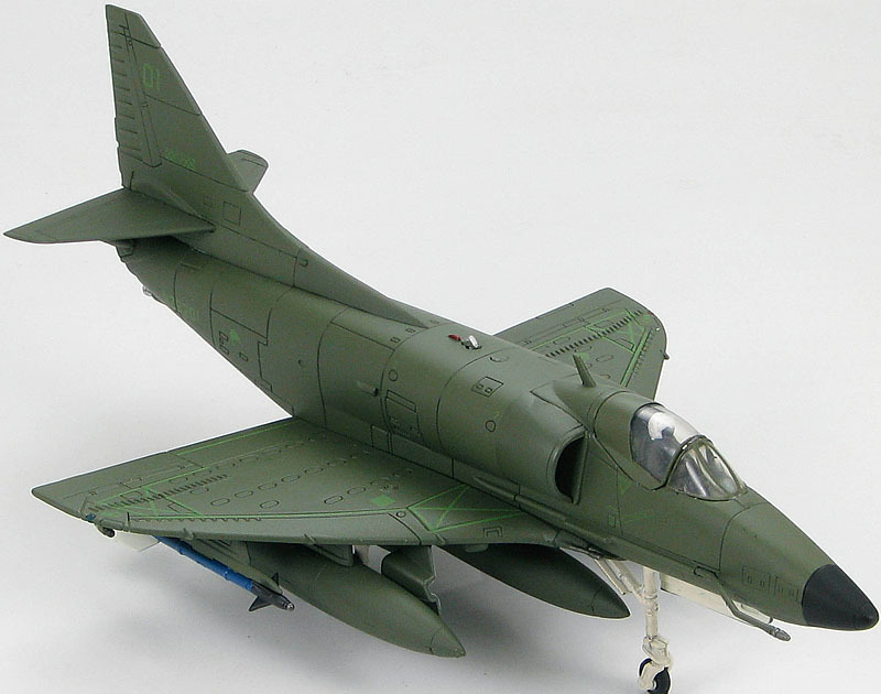 Douglas A-4K Skyhawk Kahu Composite Sqn RNZAF Ohakea AFB New Zealand 1997 1:72 Diecast Model image