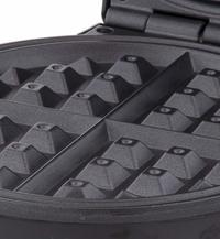 Davis & Waddell: Electric Non-Stick Waffle Maker (25x20x11cm)