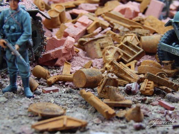 1:35 Scrap Metal, Rusty, Town (140g)