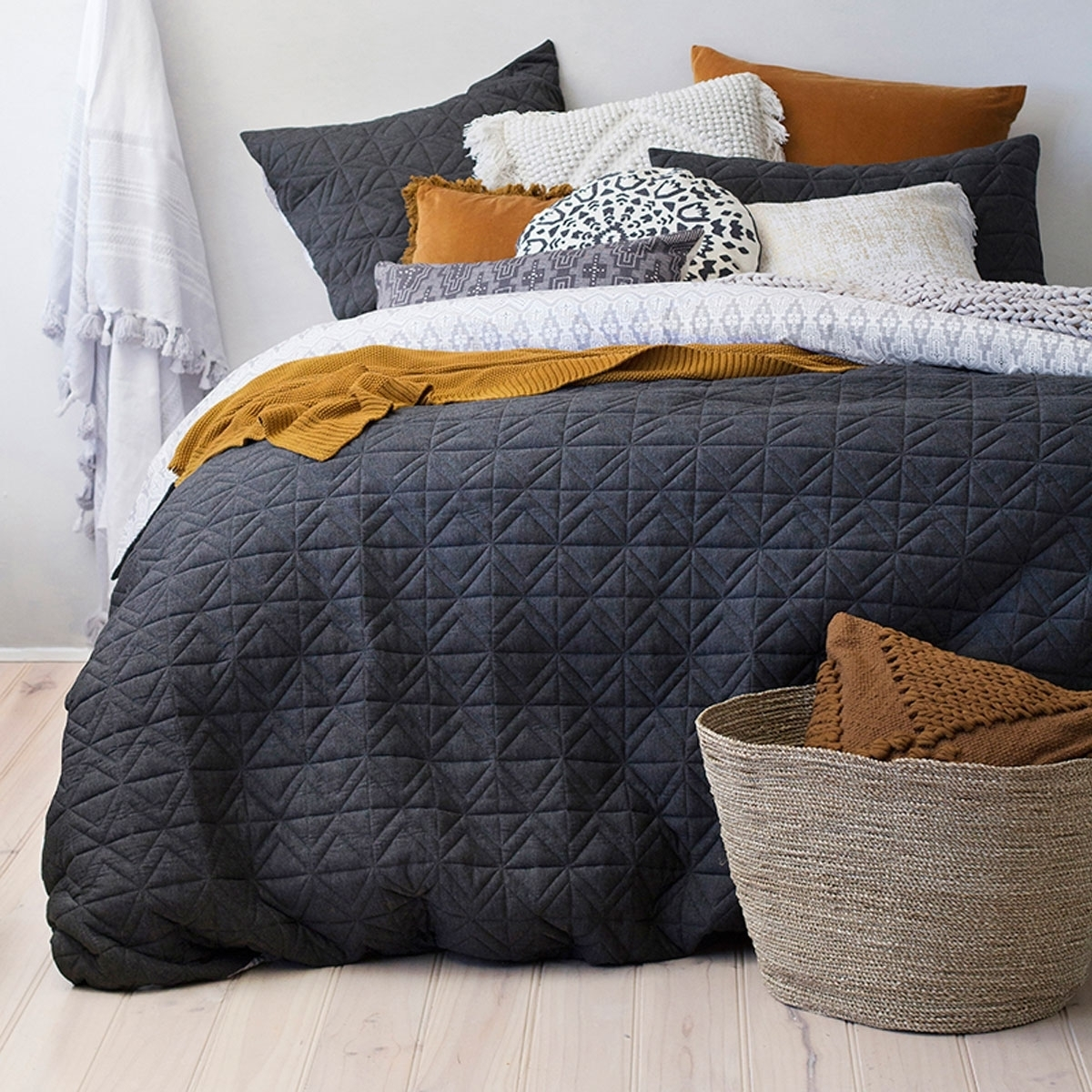 Bambury King Quilted Quilt Cover Set (Cisco) image