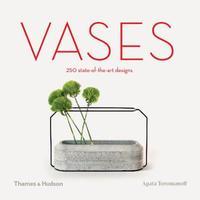 Vases by Agata Toromanoff