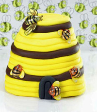 Kiwiana Party Cakes: Fun Cakes for Fun Occasions by Rob Burns image