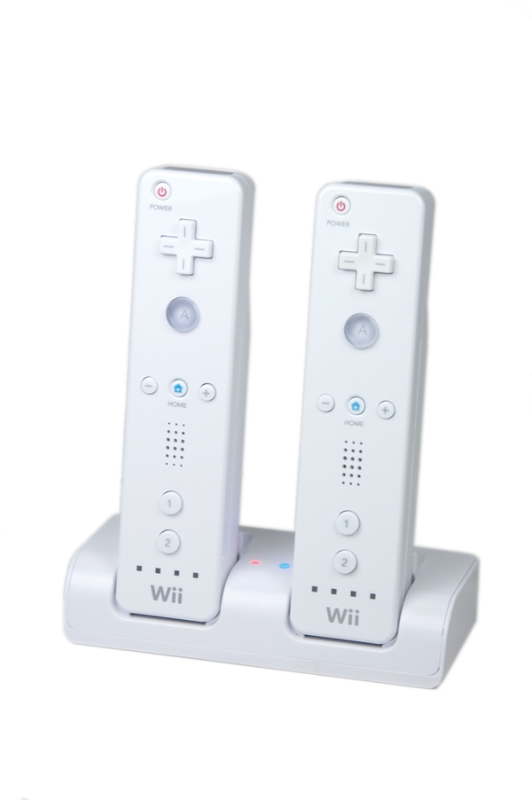 Futuretronics Dual Power Dock Wii for Nintendo Wii image