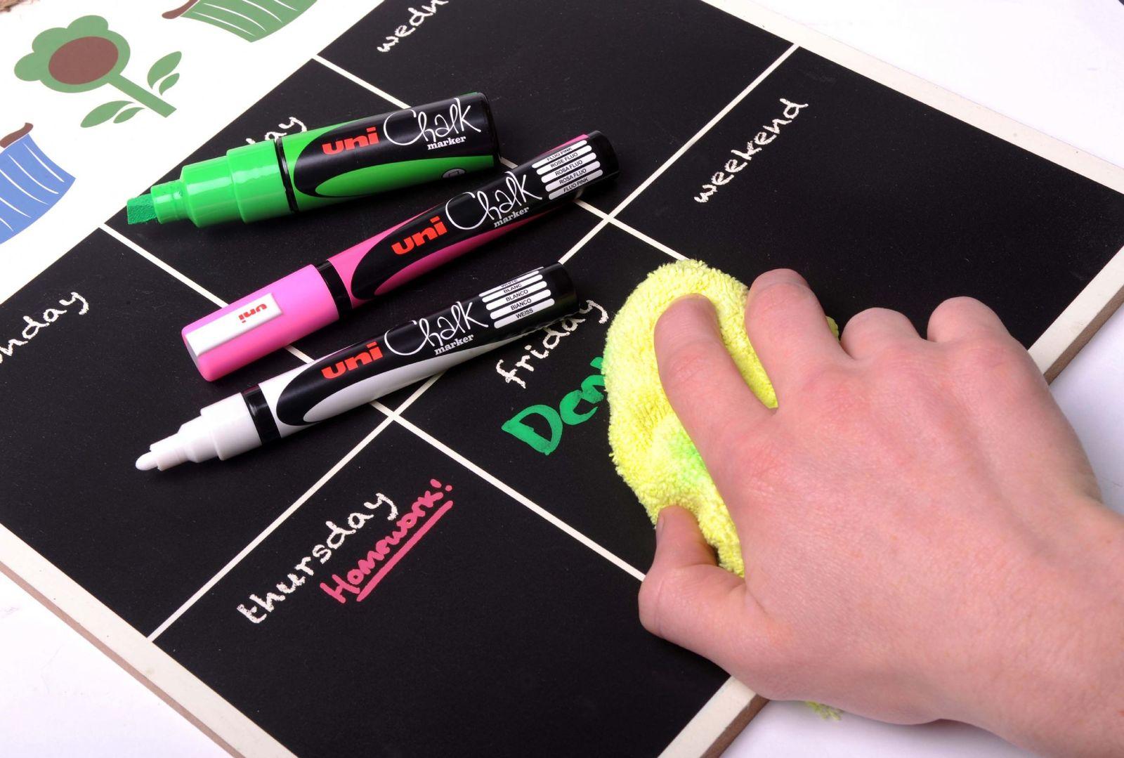 Uni Bullet Tip Chalk Marker - Fluoro Green (5mm) image