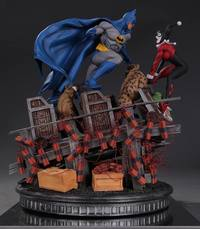 DC Battles: Batman vs. Harley Quinn - Collectors Statue