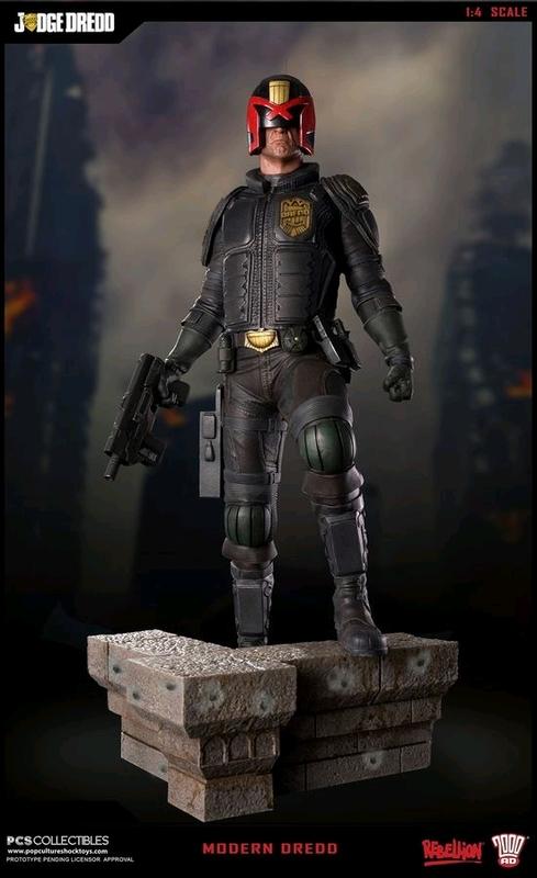 2000 AD: Judge Dredd - 1:4 Scale Statue