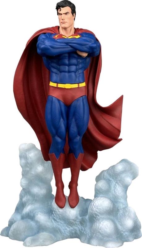 "DC Gallery: Superman Ascendant - 10"" Statue"
