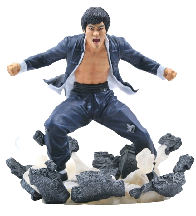 "Diamond Gallery: Bruce Lee - 9"" Statue"