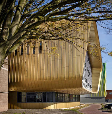 Oneplanetarchitecture: The Architecture of RAU by Peter Blundell Jones