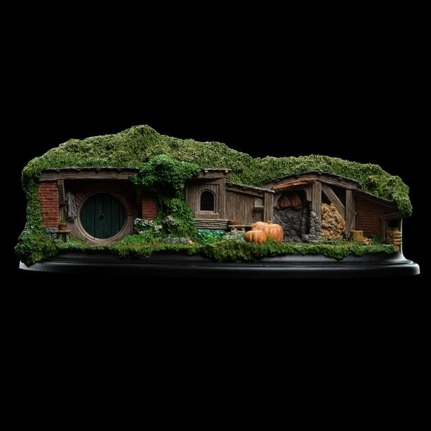 The Hobbit: 19 & 20 Pine Grove - Hobbit Hole Statue