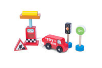 Le Toy Van: Car & Petrol Pump Wooden Vehicle Set