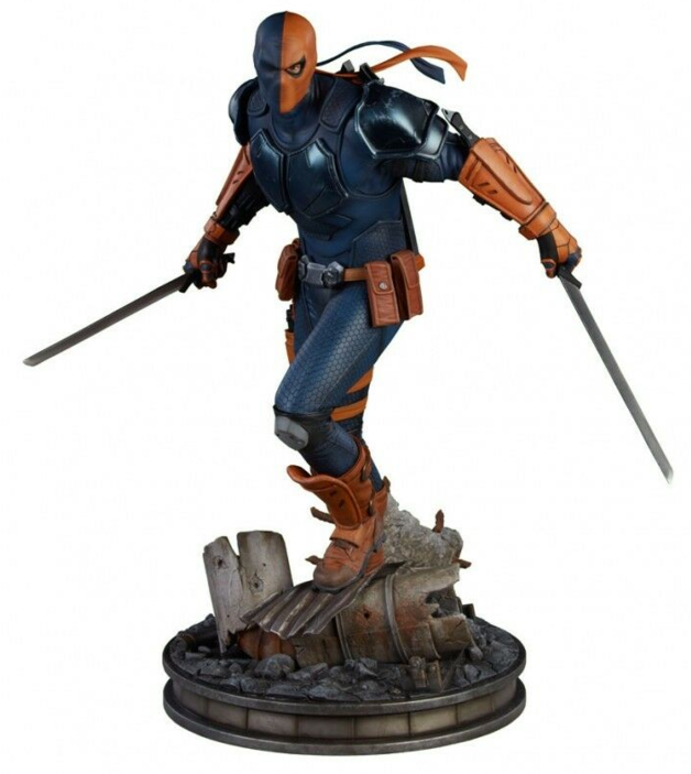 "DC Comics: Deathstroke - 20"" Premium Format Figure"