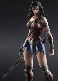 Batman vs Superman - Wonder Woman Play Arts Kai Figure