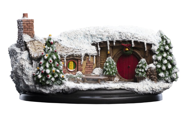 The Hobbit: 35 Bagshot Row (Christmas Edition) - Hobbit Hole Statue