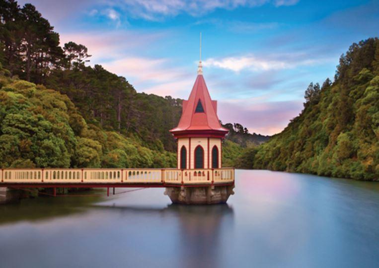 Holdson: Explore New Zealand: Series 2 - The Valve Tower Zealandia - 100 Piece Puzzle image