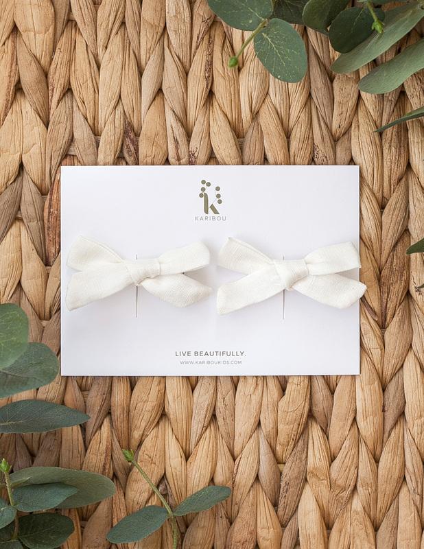 Karibou Kids: School Girl Linen Bow 2pc Clip Set - Warm White 2pc Clip Set