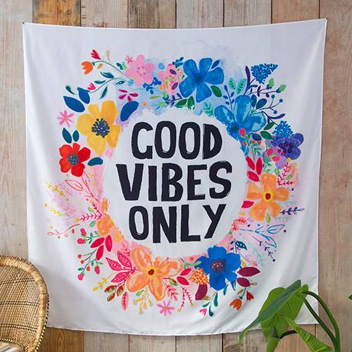 Natural Life: Throw - Good Vibes Only