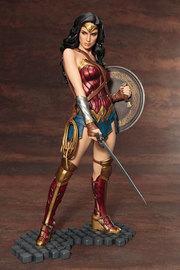 DC Comics: 1/6 Wonder Woman - Artfx+ Figure Set image