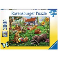 Ravensburger: Playing in the Yard - 200pc Puzzle