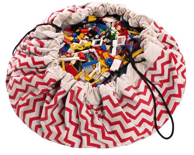 Play & Go Storage Bag (Zig-Zag Red)