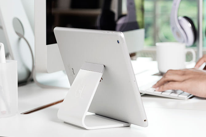 Bluelounge Mika Tablet Stand - White image