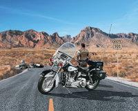 Revell 1/8 US Highway Patrol Motorbike Scale Model Kit