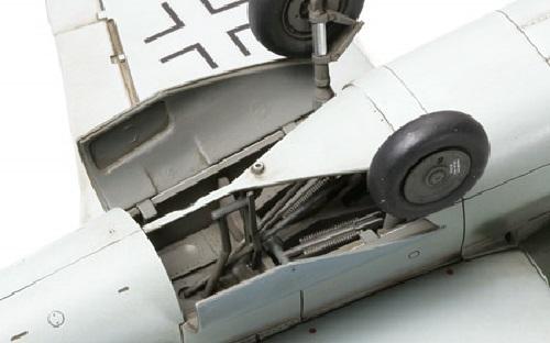 """Tamiya 1/48 German Heinkel He162 A2 """"Salamander"""" - Model Kit image"""