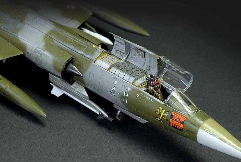 1 32 F 104 G S Starfighter Model Kit At Mighty Ape Nz