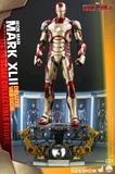 Marvel - Iron Man Mark XLII (Deluxe) 1:4 Scale Figure