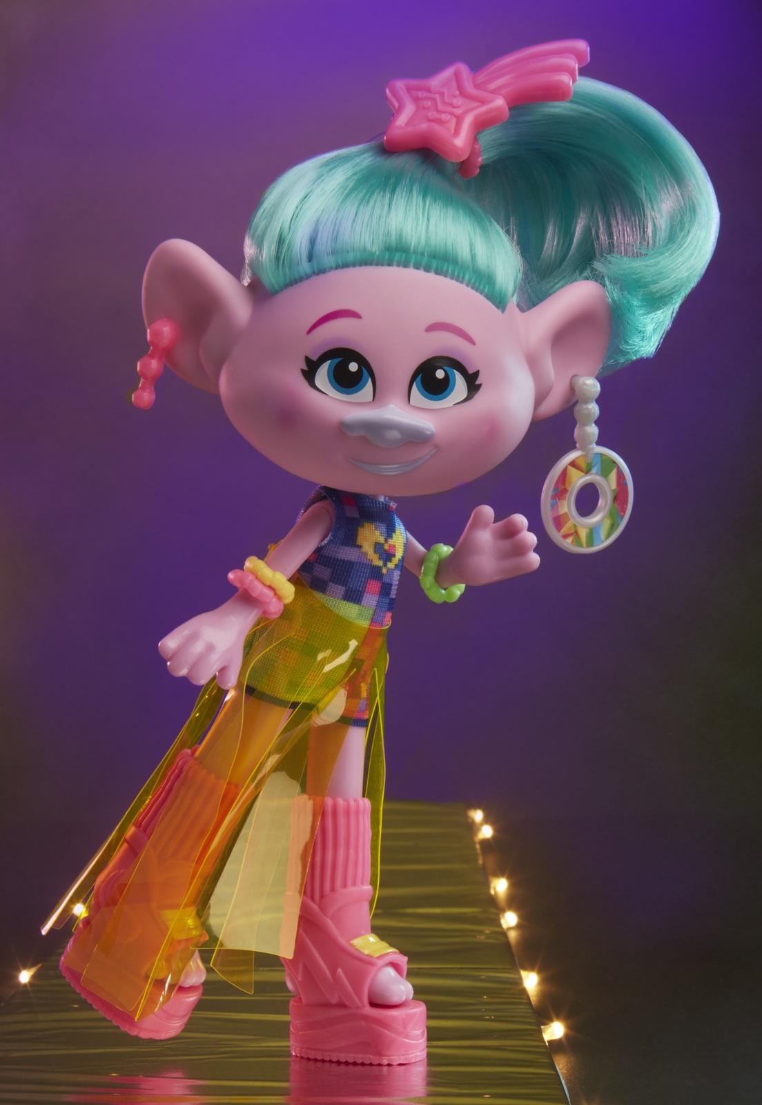 Trolls World Tour Glam Satin Deluxe Fashion Doll