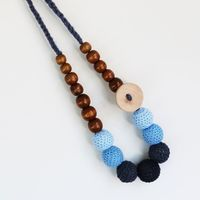 Munch: Natural Teething and Breastfeeding Necklace - Blue