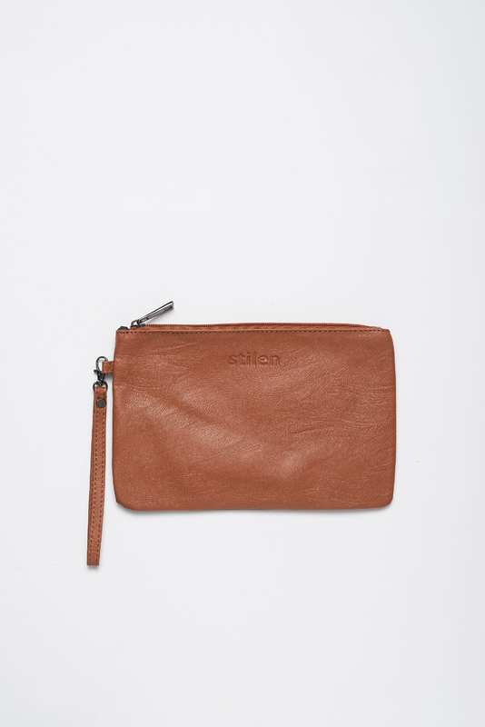Stilen: Darby rust clutch