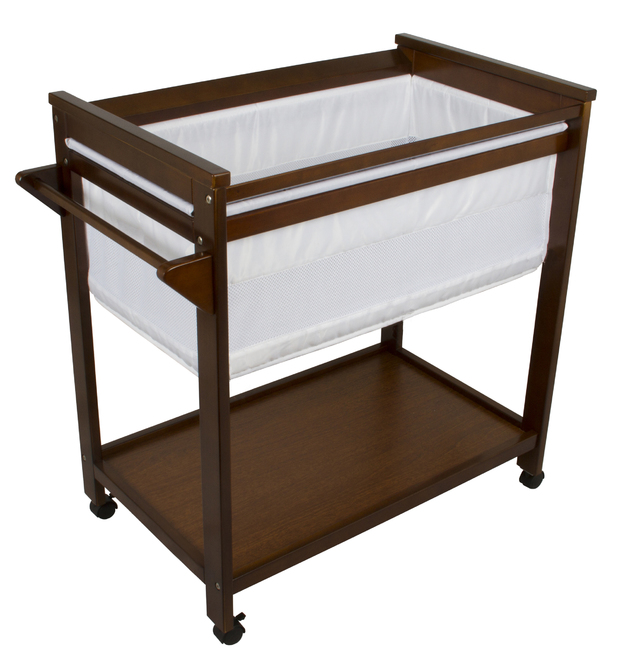 Bebe Care: Crib - Walnut