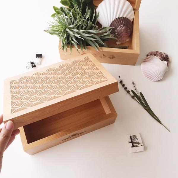 Cardtorial Wooden Box - Light Scallop image