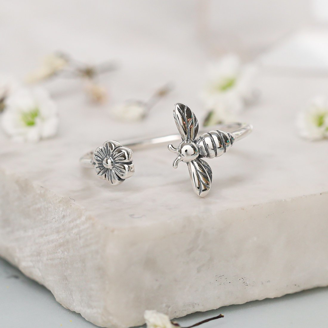 Midsummer Star: Meant to Bee Ring (Size 6) image