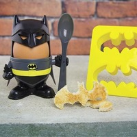 DC Comics: Batman Egg Cup and Toast Cutter