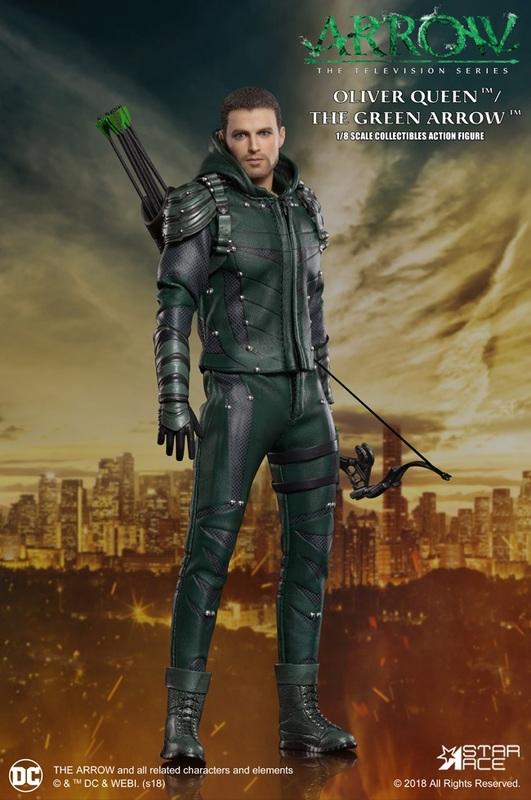 Arrow: Green Arrow (S7) - 1:8 Scale Deluxe Figure