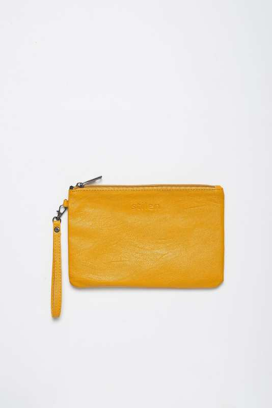 Stilen: Darby sunshine clutch