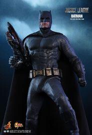 """Justice League - Batman 12"""" Figure"""