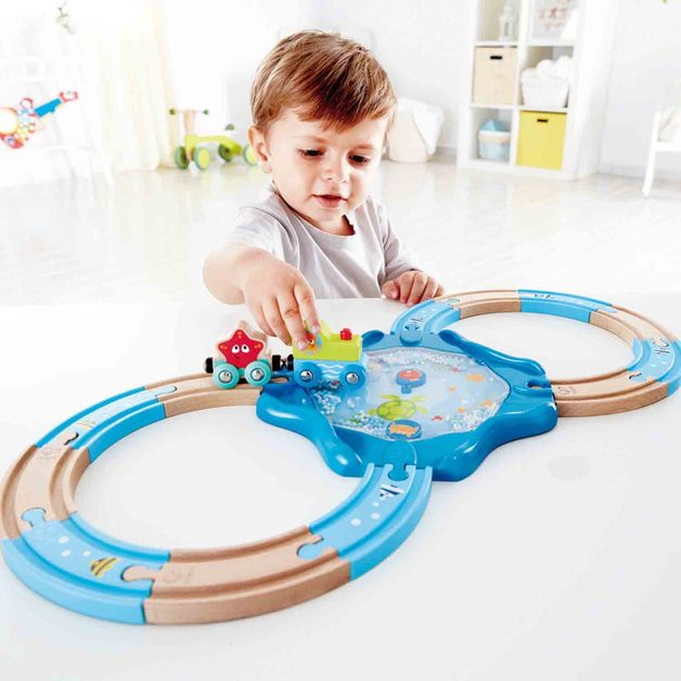 Hape: Undersea Train - Figure-8 Trackset