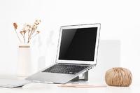 Kogan: 2-in1 Aluminium Vertical Laptop Stand and Riser