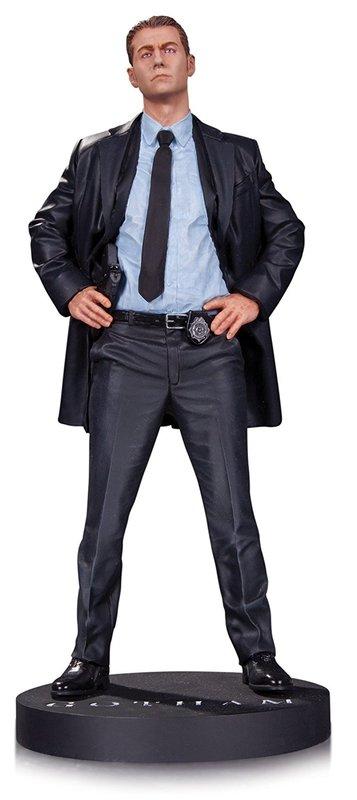 """Gotham: James Gordon - 13"""" Statue"""