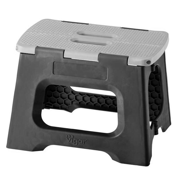 Vigar: Foldable Stool - Black & Grey (23cm)