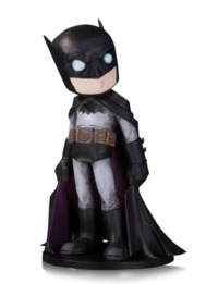 "DC Artist Alley: Batman (Chris Uminga) - 6.75"" Limited Edition Statue"