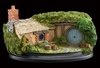 The Hobbit: 35 Bagshot Row - Hobbit Hole Statue