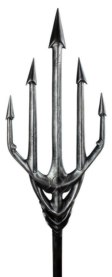 Justice League: Aquaman's Trident & Treasure Chest - Life-Size Replica image