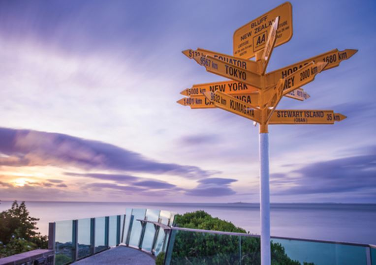 Holdson: Explore New Zealand: Series 2 - Stirling Point - 100 Piece Puzzle image